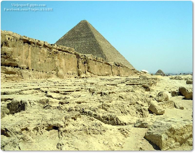 📷 Cantera junto a la Pirámide de Kefrén