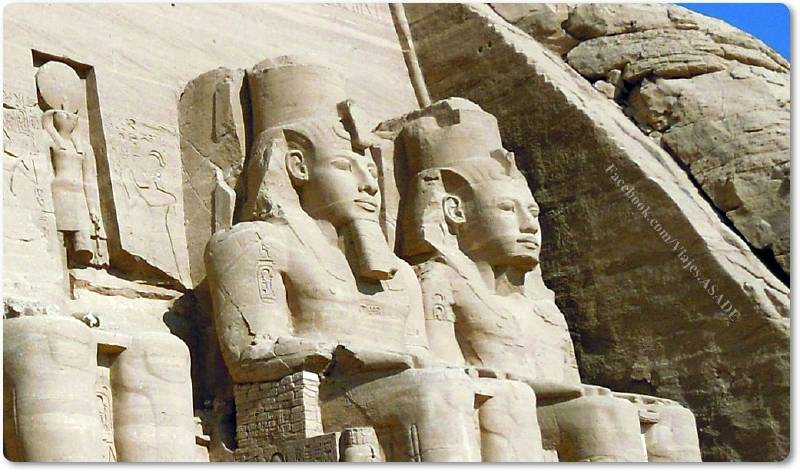📷 Colosos del Templo de Abu Simbel