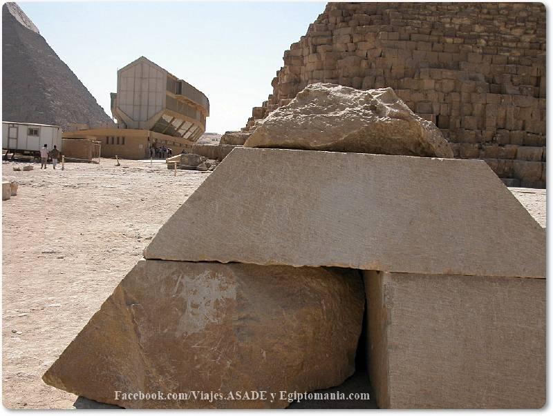 📷 Piramidión de la Satélite de Keops