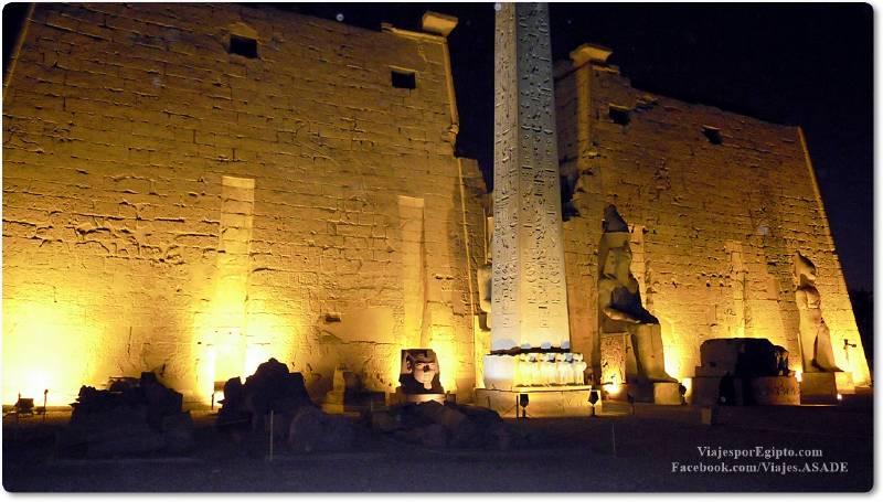 📷 Templo de Lúxor por la noche